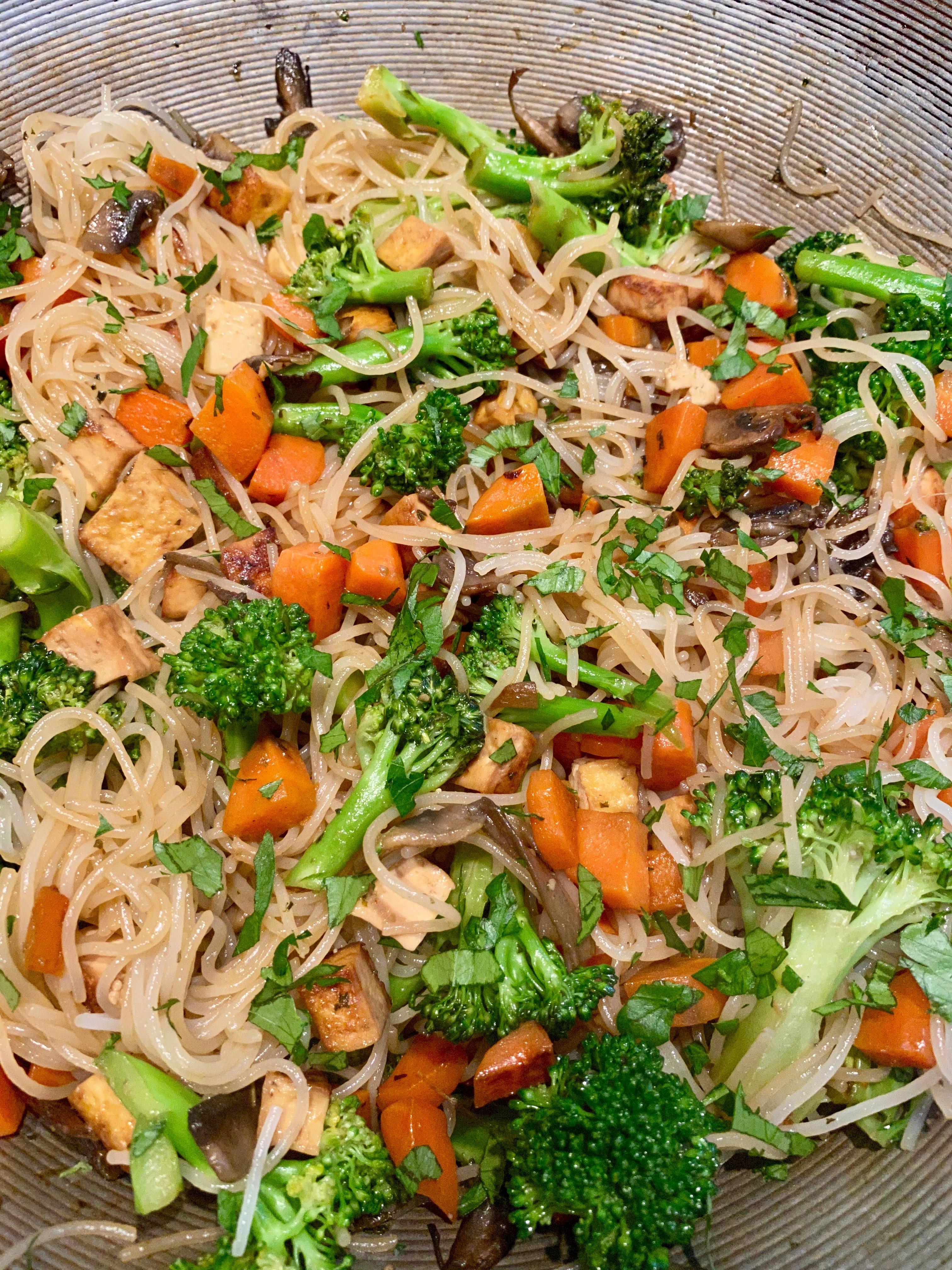 Wok de nouilles aux légumes de Super Boîte à Lunch