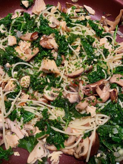 Lunchbox spaghetti, saumon et kale
