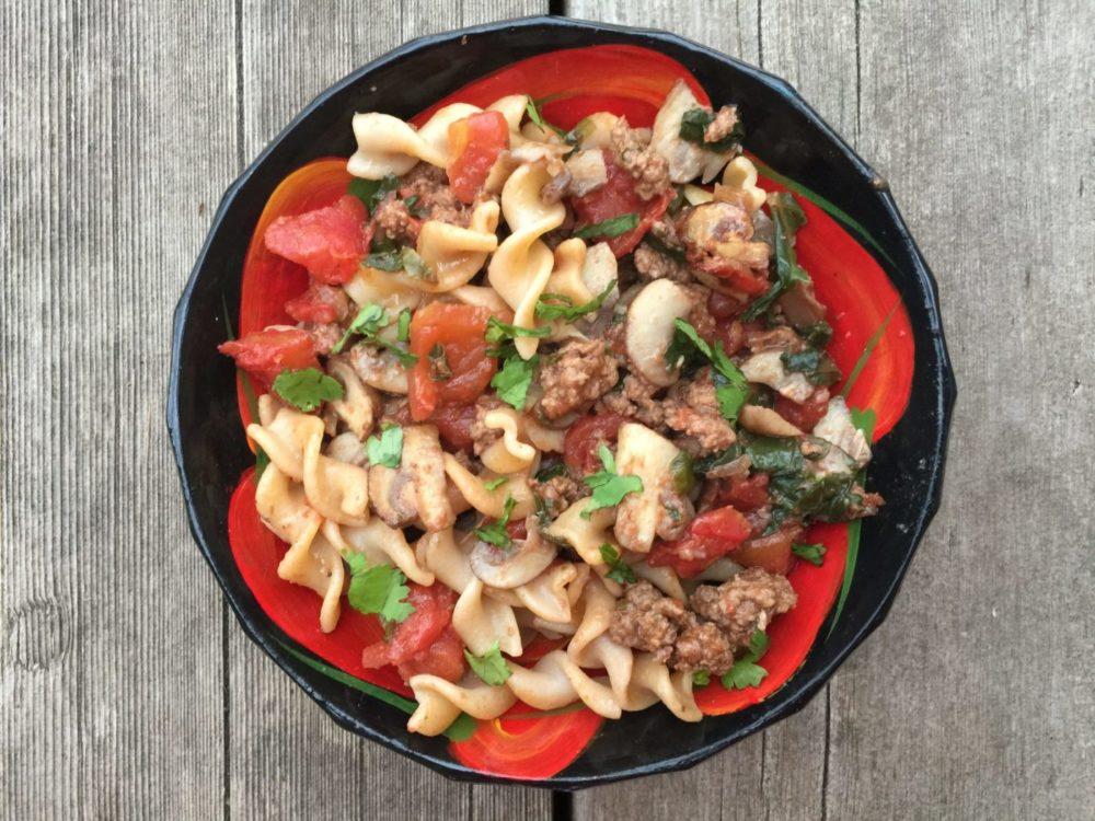 Fusilli aux kales- champignons- tomate- boeuf de Super Boîte à Lunch
