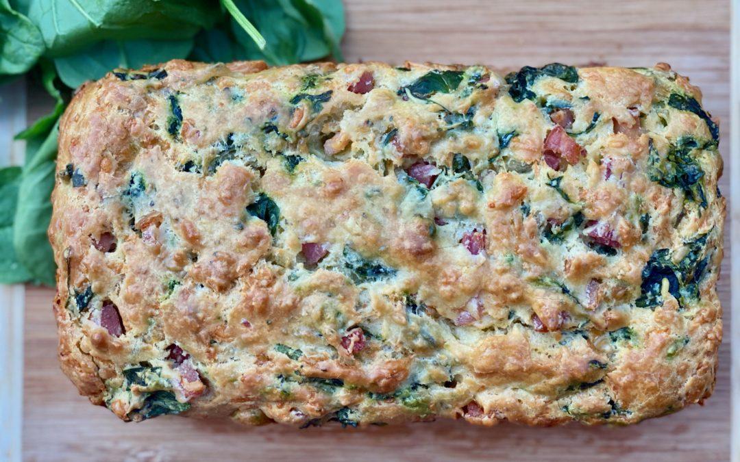 Cake aux épinards, pancetta & origan